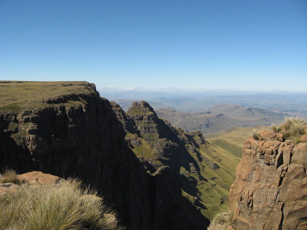 Amakehla Pass (Pholela Cave)