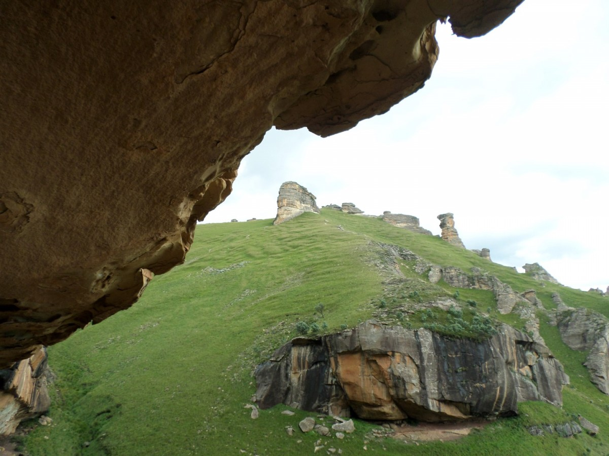 Thamathu Cave & Lammergeier Cave Hike