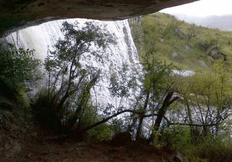 uMkhomazi to Cypress Cave Hike